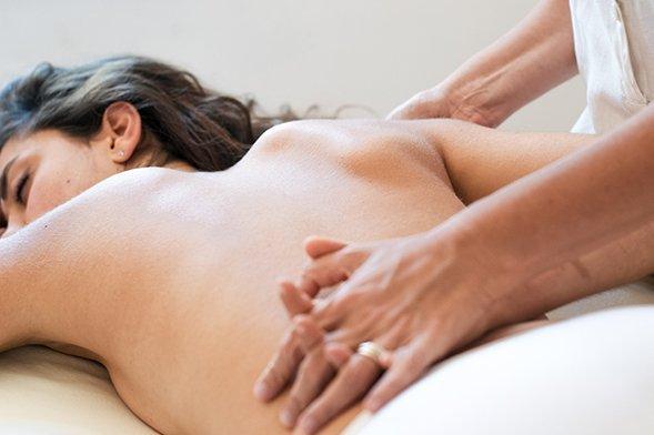Massaggio alla schiena per un nuovo benessere quotidiano